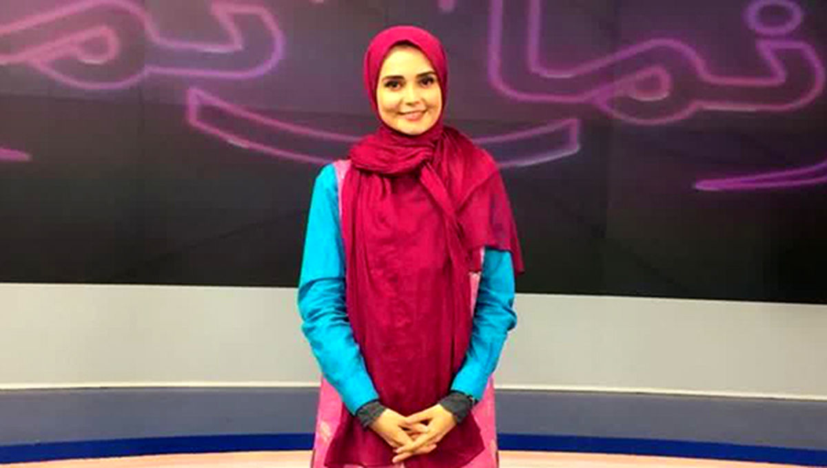 سوتی عجیب خانم مجری صدا و سیما در برنامه زنده +فیلم