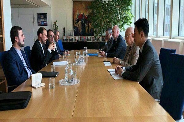 معاون ظریف خطاب به آمانو: برگشت پذیری اقدامات ایران به اقدامات عملی دیگران بستگی دارد