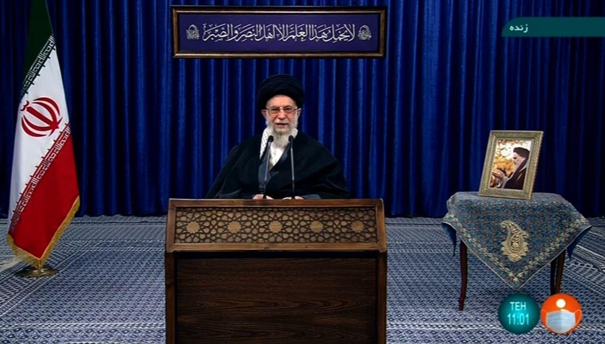آغاز سخنرانی زنده تلویزیونی رهبر انقلاب اسلامی در سالروز ارتحال امام خمینی(ره)
