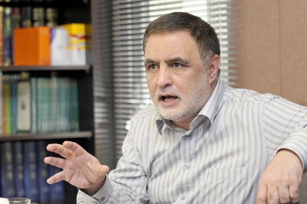 ناصر ایمانی: شاید منظور اصلاحطلبان از جمهوری سوم احیای پست نخستوزیری باشد