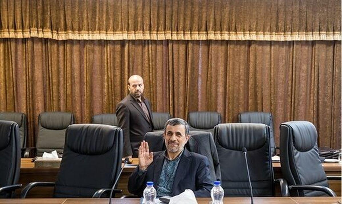مجمع میتواند احمدینژاد را اخراج کند؟