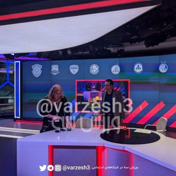 تصویر لو رفته از دکور برنامه مزدک میرزایی در شبکه ایراناینترنشنال