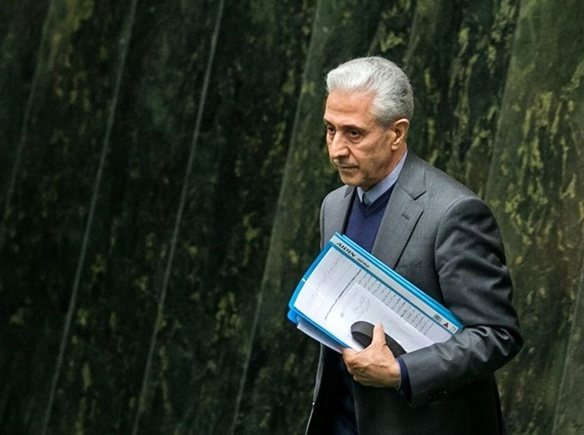 وزیر علوم در یک روز از مجلس دو کارت زرد گرفت