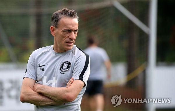 پائولو بنتو: ایران در آسیا تیم پرقدرتی است و سرشاخ شدن با آن همیشه محک جدیای بوده است