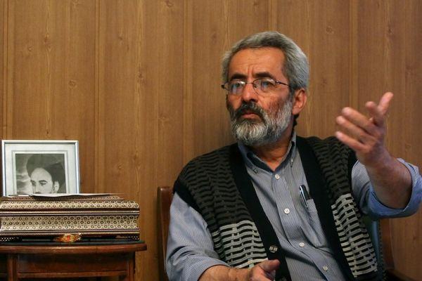 عباس سلیمینمین: احمدینژاد و مشایی قصد فرقهسازی دارند/ احمدینژاد میخواهد با ظاهری اصولگرا دوباره به قدرت بازگردد/ او ردصلاحیت میشود