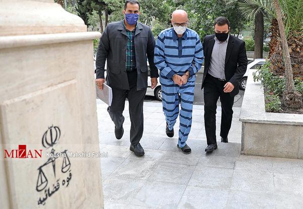 چرا اکبر طبری به اعدام محکوم نشد؟
