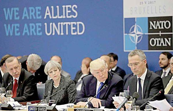 تشدید تنشها در درون آتلانتیک/ شدتگرفتن نگرانی اعضای ناتو از همپیمانی آمریکا و روسیه