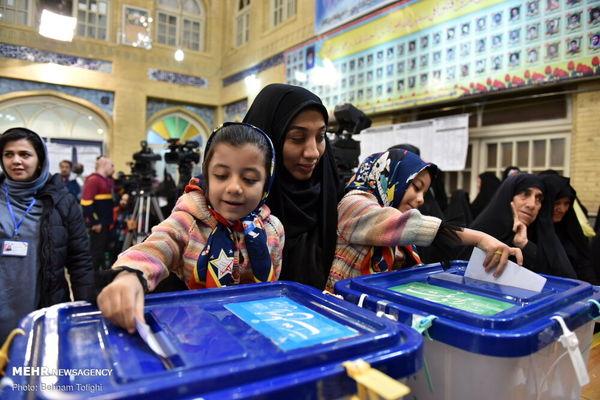 حضور پرشور قمیها در انتخابات/ کرونا مانع حماسه آفرینی نشد
