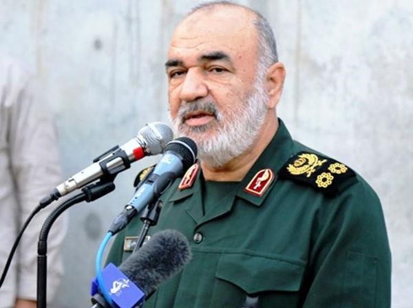 فرمانده سپاه: عملیات روانی دشمن را مچاله کرده ایم