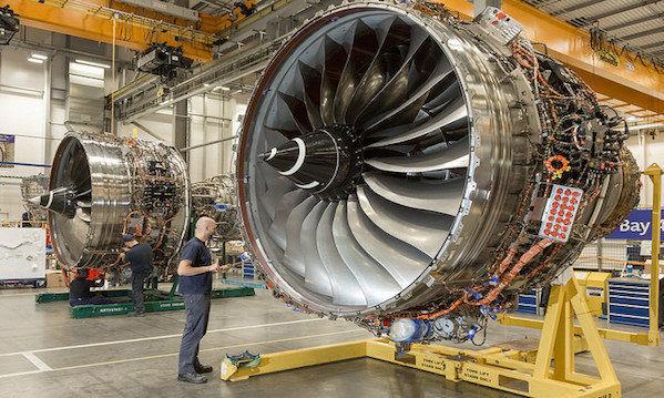 فرصت ها و  توانمندیهای صنعت هوانوردی در نمایشگاه فرودگاه مهرآباد ارائه شده است