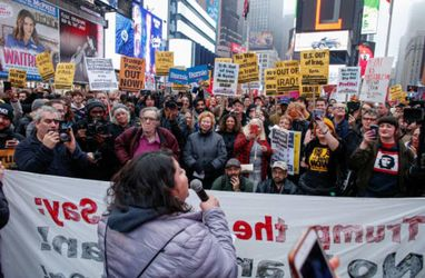 تظاهرات آمریکاییها علیه جنگ با ایران