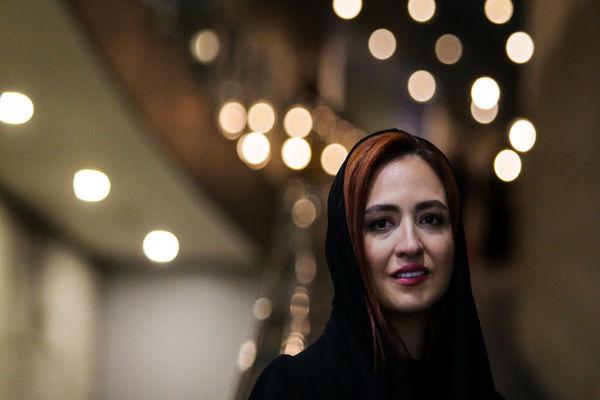 عکس لبخند شیک گلاره عباسی در جشنواره فیلم فجر