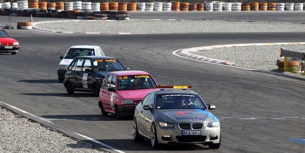 مسابقات اتومبیلرانی قهرمانی کشور در شهرضا برگزار میشود