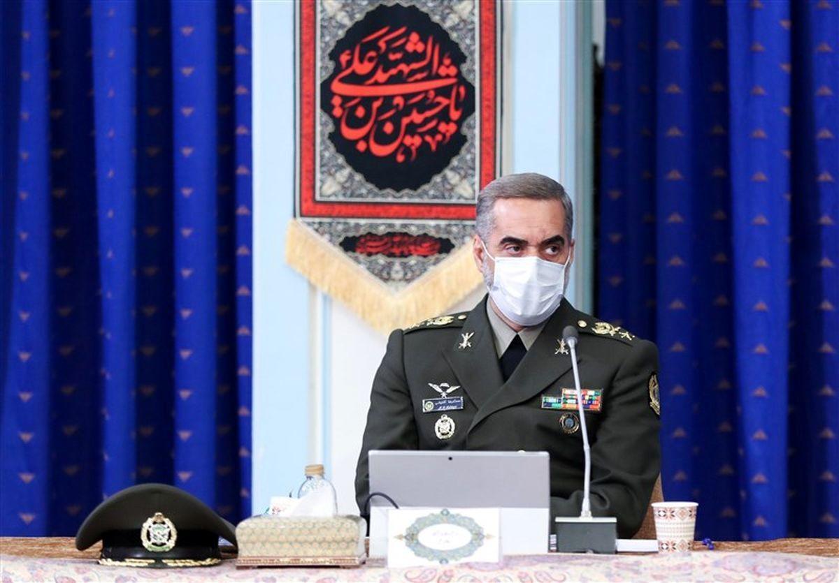 وزیر دفاع به دشمنان هشدار داد