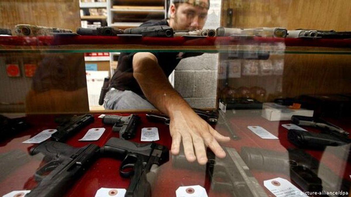 پلیس آمریکا: شلیک نکن پول بگیر!