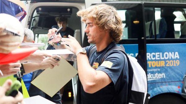 بارسلونا با ستاره هایش به توکیو رسید