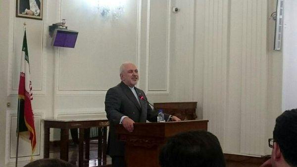 ظریف: آمریکا در دنیا تنهاست/ تحریم وزیر خارجه یعنی شکست گفتوگو و دیپلماسی