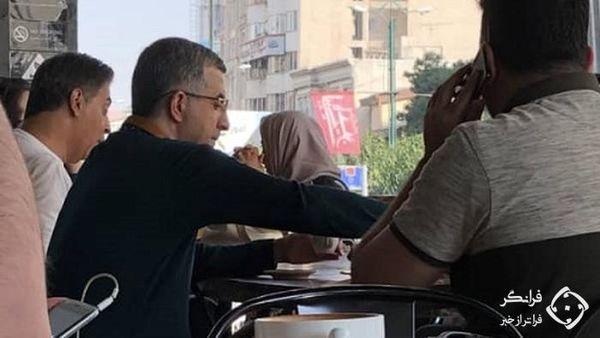 کافه گردی رحیم مشایی در فرمانیه تهران + عکس