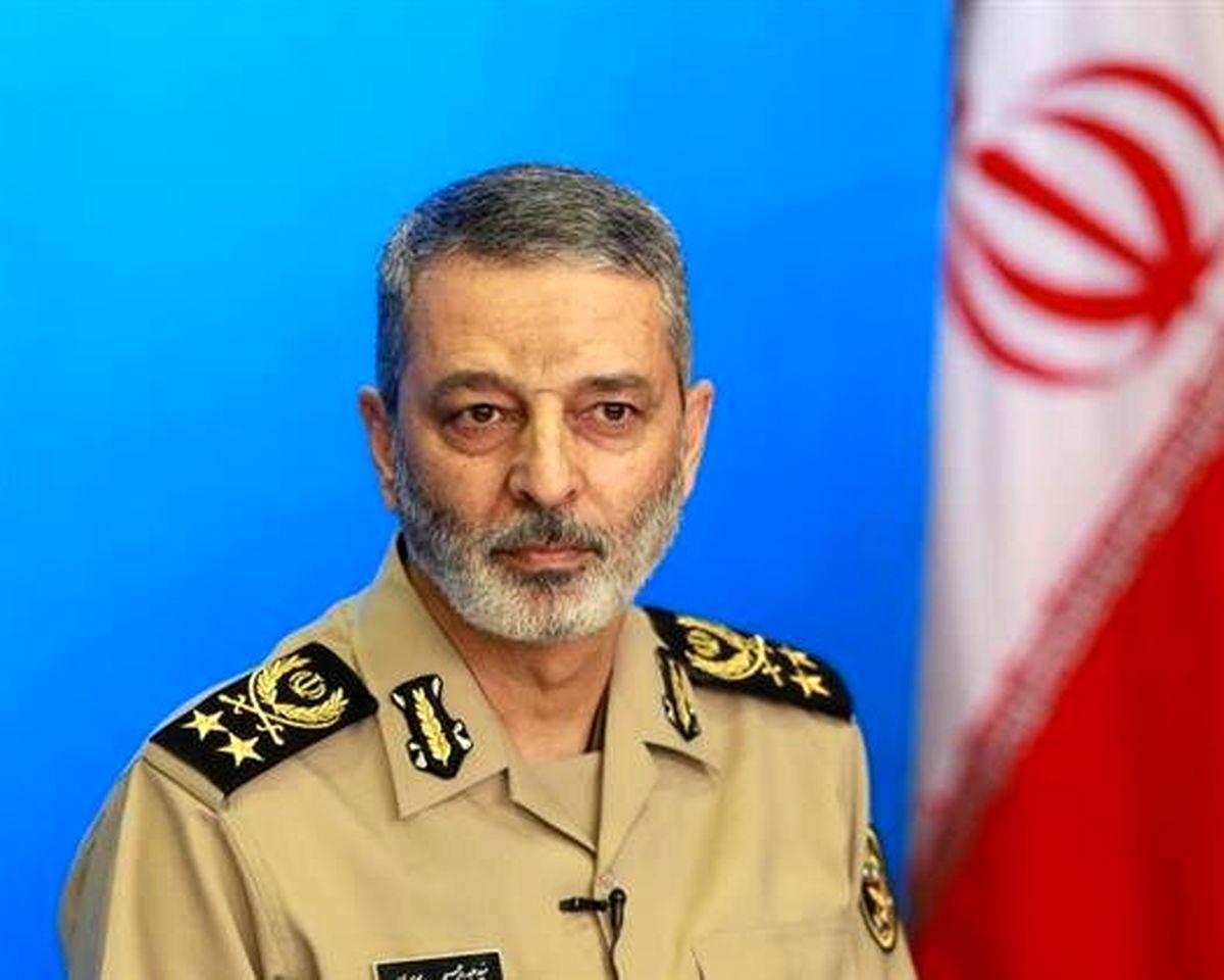 پیام ویژه امیر موسوی به فرماندهان نیروی زمینی و دریایی ارتش