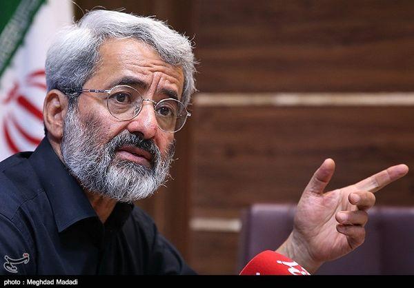سلیمی نمین: آنها که بحث استعفای دولت را مطرح میکنند، به دنبال کنار زدن جمهوریّت نظام هستند