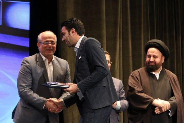 علی دایی سفیر بنیاد بیماریهای نادر شد