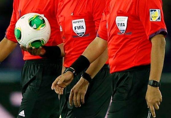 قضاوت دیدار تیمهای فوتبال ایران و کویت بر عهده داوران کویتی قرار گرفت
