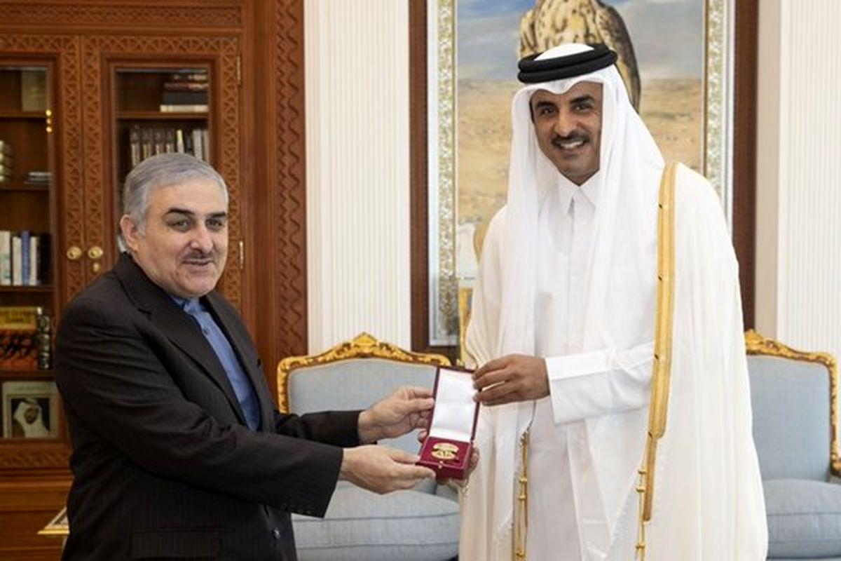 سفیر ایران از امیر قطر مدال گرفت