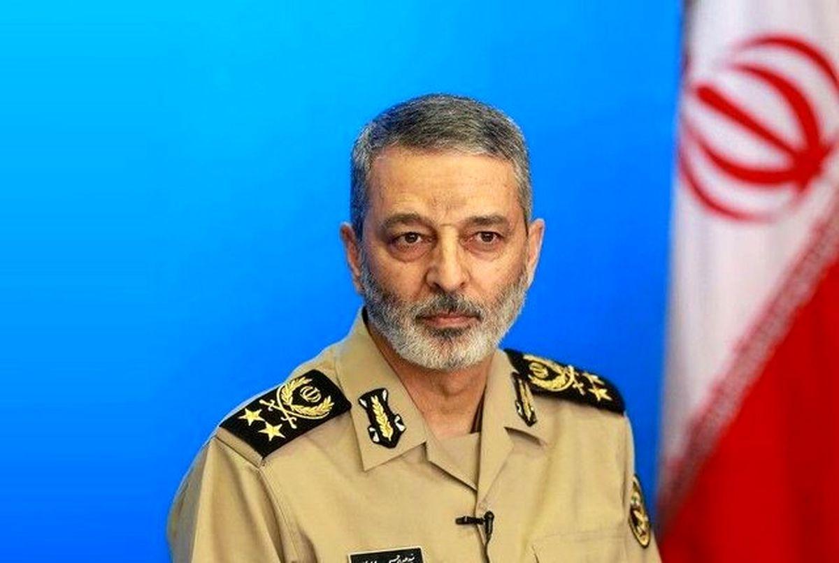 موضع فرمانده کل ارتش درباره اتفاقات افغانستان و امنیت مرزها
