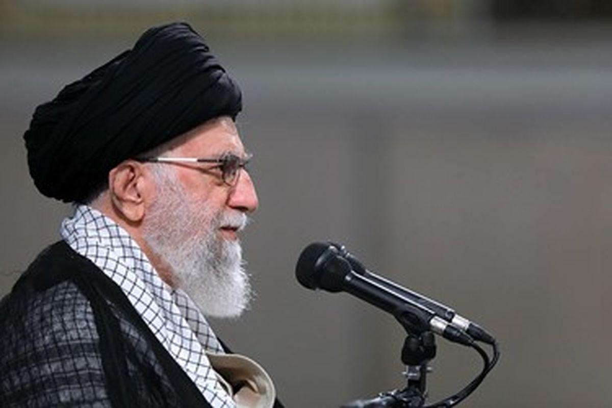 رهبر معظم انقلاب: سیاست خارجی در وزارت خارجه تعیین نمیشود/ دشمن شادکن نباشیم/ به تعطیلی کشاندن کارخانهها خیانت است