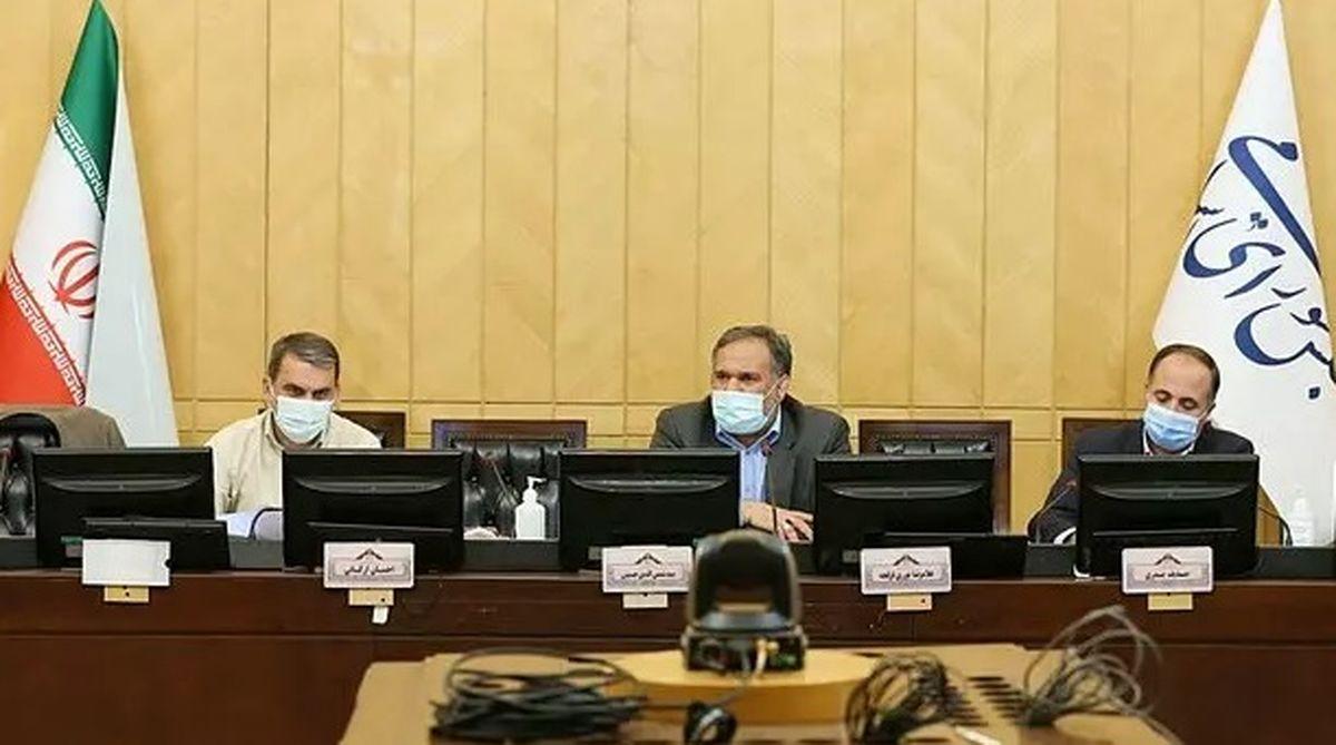 وزیر اقتصاد احمدینژاد رئیس ماند