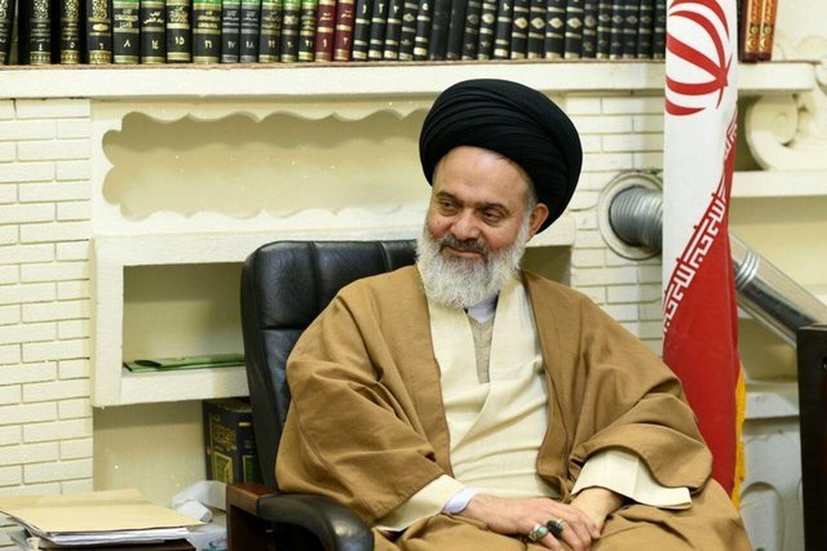 حسینی بوشهری: فعالیت نیروهای مسلح ارائه خدمت بیمنت به مردم است
