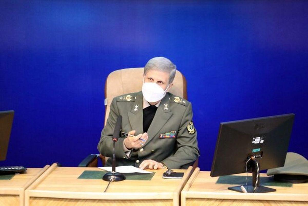 تمجید وزیر دفاع از وحدت بینظیر ارتش و سپاه