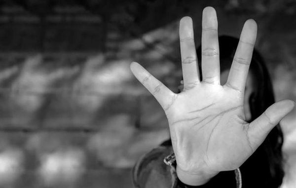 تجاوز 4 مرد به دختر نوجوان : در خانه زن زندانی چه گذشت؟