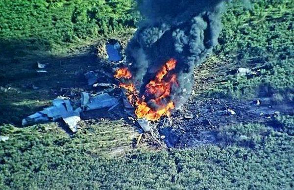 سقوط هواپیمای نظامی در سروستان شیراز