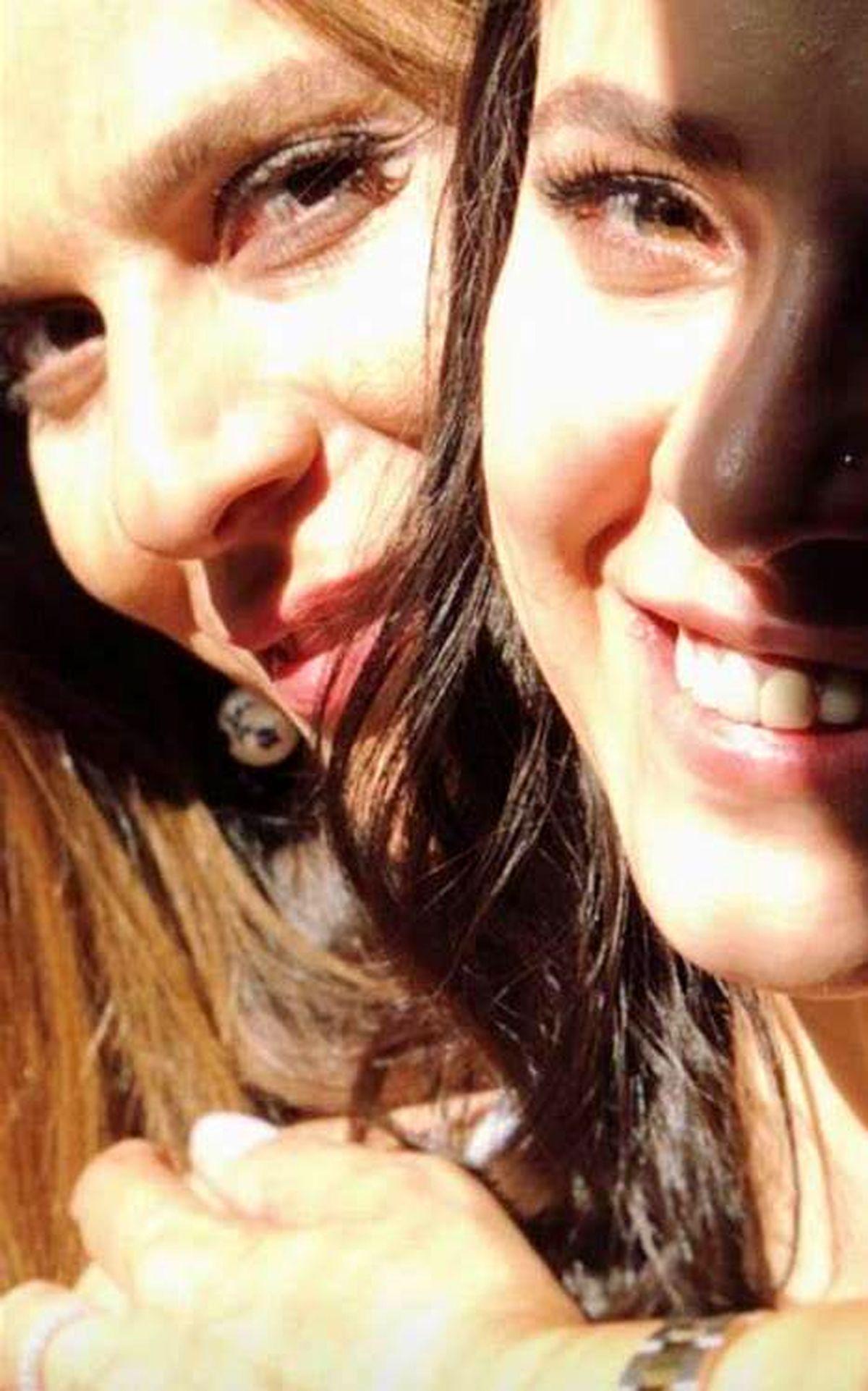 عکس عجیب سحر دولتشاهی و خواهرش