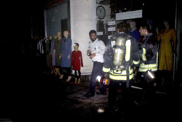 عملیات اطفای حریق در سیتی سنتر اهواز